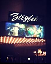 ZiegfeldTheatreHobbitPremiereDec0712cropshp