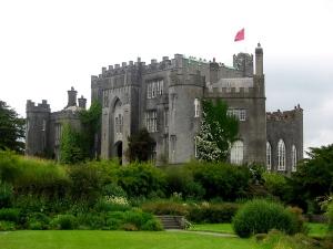 MiddletonManorImageisIrelandsBirr_Castle,_OffalyFeb2713wiki
