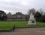 Kensington_Palace_exterior-image-Jun1613wiki-hi-res-shrp