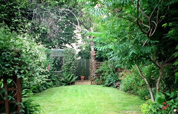 Love is a choice ch 30 r rated a friendship blossoms for Small english garden designs