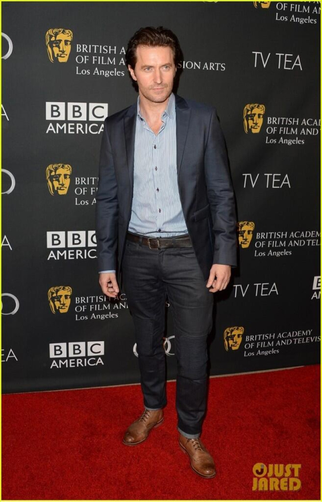 BAFTA2013TeaRichardArmitage3fulllengthSep2113JustJaredviaMeri-hi-res