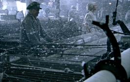 Mill-Weaving-Looms-N&S2004-epi2-10h50m45s81-Nov3013GratianaLovelaceCap-crp-hi-res-brt