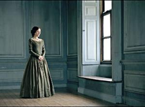 Carlotta-isGillianAndersn-asLadyDedlock-inBleakHousean2714bostonglobecom-crop-sized