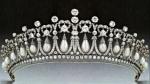 Airlie-Tiara-image-frommadhatterycom-Jan0514-diamond&pearl-manip-tofull-tiara_GratiananLovelace2extradiamond