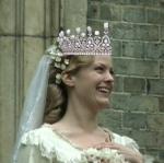 Fanny-in-her-wedding-gown-vlcsnap-22h57m18s52_Dec2813GratianaLovelaceCap-crop-withTiara-sized
