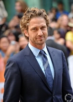 Jamie-isGerardButler_May3114OhNoTheyDidntLiveJournal-sized-shrp