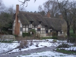 Anne_Hathaway's_Cottage_In_The_Snow_-_geograph.org.uk_-_352578_July1214Wiki-sized