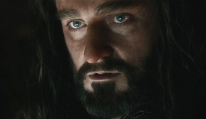 BOTFA2-02-ThorinStaringDownDwalin_Dec2814ranet-sized-brt-crop