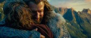 HobbitAUJ-681-ThorinGratefullyHuggingBilbo_Dec2714ranet