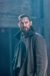 dDigTheCrucible--JohnProctorWary-isRichardArmitage_Mar0615theatremania