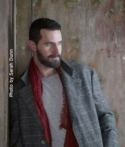 2014--AllFilm-RichardArmitage-ingreyplaid&beard-bySarahDunn_Dec1414ranet-crop