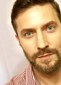 2015--RichardArmitage-inredwhiteplaid-andbeard_Jun0115RCATweet-sized-clr