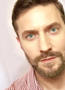 2015--RichardArmitage-inredwhiteplaid-andbeard_Jun0115RCATweet-sized