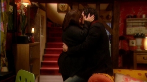 vod1-376-Gerry-kissing-Harry_Sep2515ranet-sized