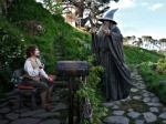 Gandalf-invites-Bilbo-toCome_with_me_on-an-adventure_Oct2915lotrwiki-gandalf-fullsize-Grati-sized-brt