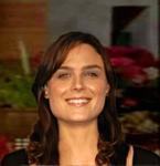 Olivia-isEmily_Deschanel_Wallpaper_Nov2315rainpow-mask1-manip-shoulders-hairmanip-bkgrnd-brt
