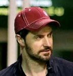 Sam-isRichardArmitage-inredcap_Jul1415cyn-shirt-to-blk