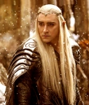 Thranduil-LeePace-fromTHBOTFA-inarmor-small-crown_Nov1415twitter-crop-sized-clr