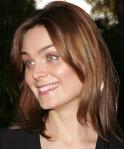 Olivia-smiling-isEmily-Deschanel-497-600_Nov2615fanpop