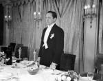 wedding-planning-1955-Oscars-Frederic-March-inWhiteTie-andTails_Dec2415viaWashingtonPost