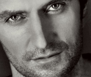 RAPortrait--2009-RichardArmitage-Soulful-eyes-BWcls-byAlana_Jan2516viaLauraDay_GL-sized