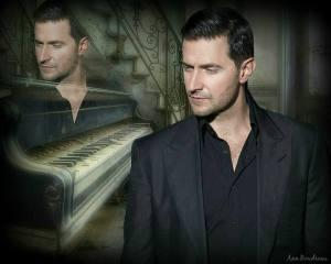 RAPortrait--2012--RichardArmitage-inblueblk-suit-withhead-toside_Feb0615byAnnBoudreau