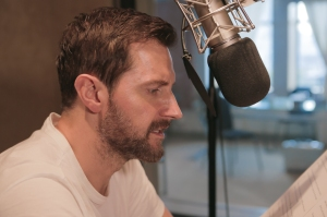 RAPortrait--2015-RichardArmitage-6-recording-DavidCopperfield-audiobook_Feb0816audible