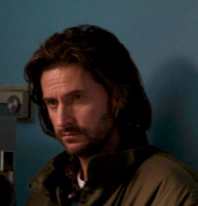 Chop-withStyledHair-inUrban-and-the-Shed-Crew-isRichardArmitage_Mar1816ranet-viaCandidaBrady-twitter-28Aug15-crop-brt