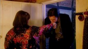VicarofDibley-epi1-157--RichardArmitage-asHarry-kissing-Geraldine-after-dinnerdate_Mar0116ranet_Grati-sized-brt