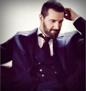 RAPortrait--2014--RichardArmitage-bl-doublebreasted-vest-suit-bySarahDunn_Apr1916viaCyn