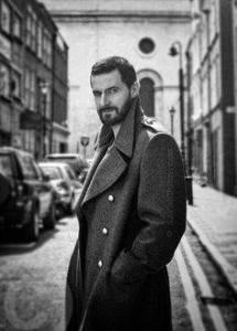 RAPortrait--2014x--BW-RichardArmitage-inlarge-coat-in-street-bySarahDunn_Feb0416viaSimonne