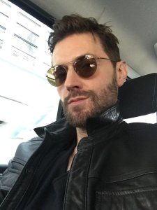 RASelfie--2016--RichardArmitage-choppyhair-On-way-to-work-inSoho-Lodon_Jun1516RCATweet