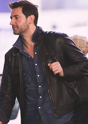 2012 arriving at Wellington Airport for THAUJ premiere