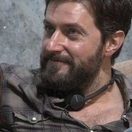 RAPortrait--2014x--RichardArmitage-scruffy-ingreyplaid-smiling1_Apr0216viaWoodstock&Snoopy