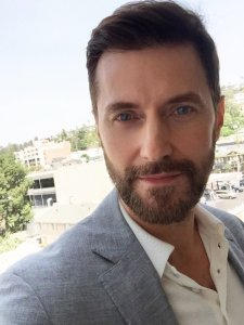 RAPortrait--2016--Selfie--BerlinStation-LAPromos-RichardArmitage_Jul3016RCA