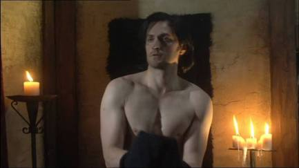 2007 as Sir Guy of Gisborne changing shirts