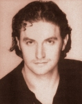 Daniel-at25-isRichardArmitage-at27-in1998Hamlet-programme_Aug1416ranet_Grati-sized-sepia-drk-shrp-red-sepia2