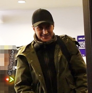 lovelovelove-sd-richardarmitage-smiling-in-heavy-winter-coat_nov2616viaultraveloce-sized-brt-crop