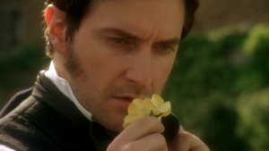 ben-isrichardarmitage-asjohnthornton-smelling-yellow-rose-ofhelstone-inns2004-aug2216-viarafrance