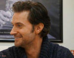 raportrait-2013-waterstonespiccadilly-richardarmitage-profile-inhugobosssweater_feb2416vialauraday