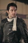 gg07-richardarmitage-inblackleather-andwhitescarf-asrickydeeming_aug1616ranet