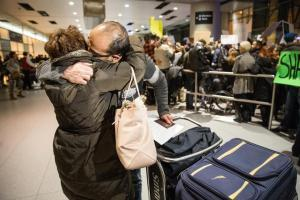 iranian-couple-reunited-atloganairport-afterhusband-was-detained-boghosian_29immigrationlocal11_met_jan2817bostonglobe