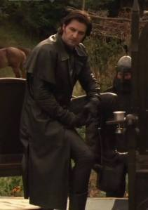 sirguy-rh2-richardarmitage-assirguy-inleather-sitting-onchair-atdunkinglake_nov1116viaisabelle