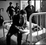 sleepwalker-2016x-richardarmitage-inbts-scene-as-doctor-at-bedside_aug3116viaisabellam