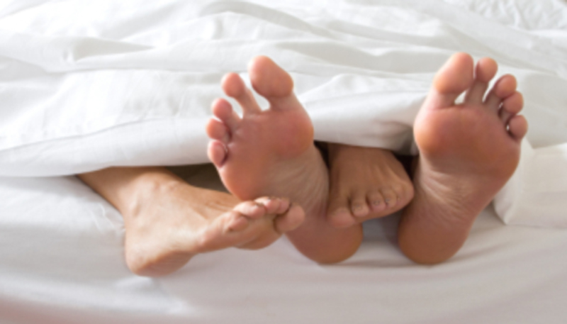 Newlyweds-feet-under-covers_Oct1012instforenergyresearchorg_May1614-crop-sized